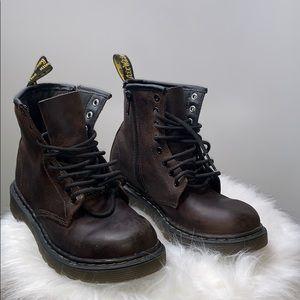 DR MARTENS • Kids Delaney Brown 8 Eyelet Boots